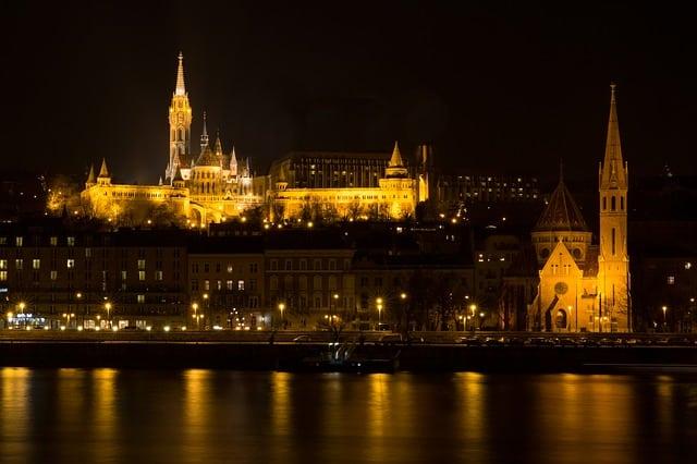 éjjeli fények Budapesten